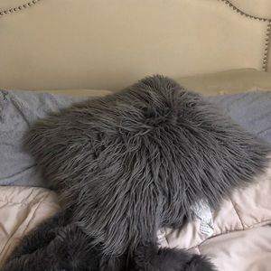 Grey fluffy throw pillow 👍